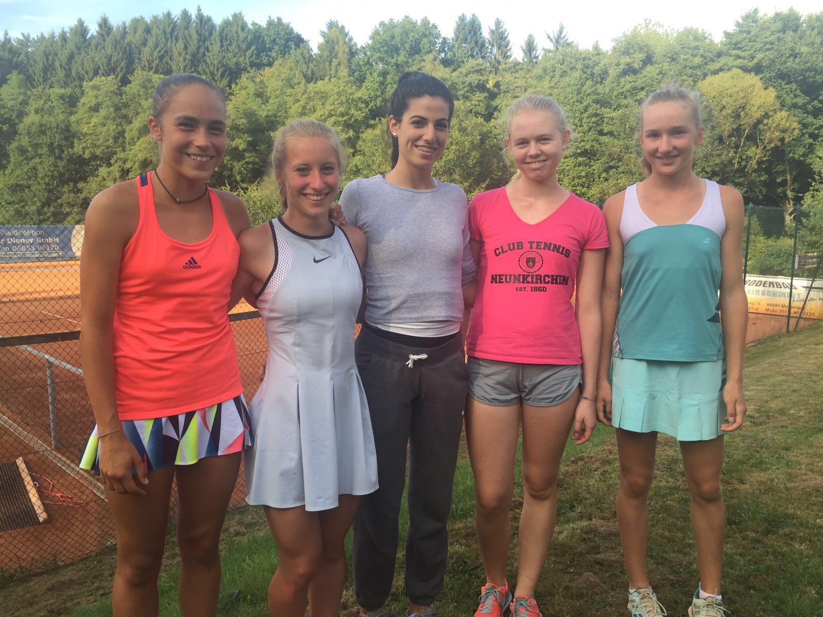 Die Meistermannschaft (v.l.n.r.): Sarah Müller, Isabel Benoit, Ambika Jashari, Hanna Müller, Julia Traub. Es fehlen Aiva Schmitz und Vivienne Janzam.